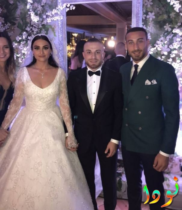 اسراء بيلقيش مع زوجها في حفل زفافهما