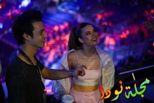 الجميلة عفراء مواليد 1997 مع حبيبها