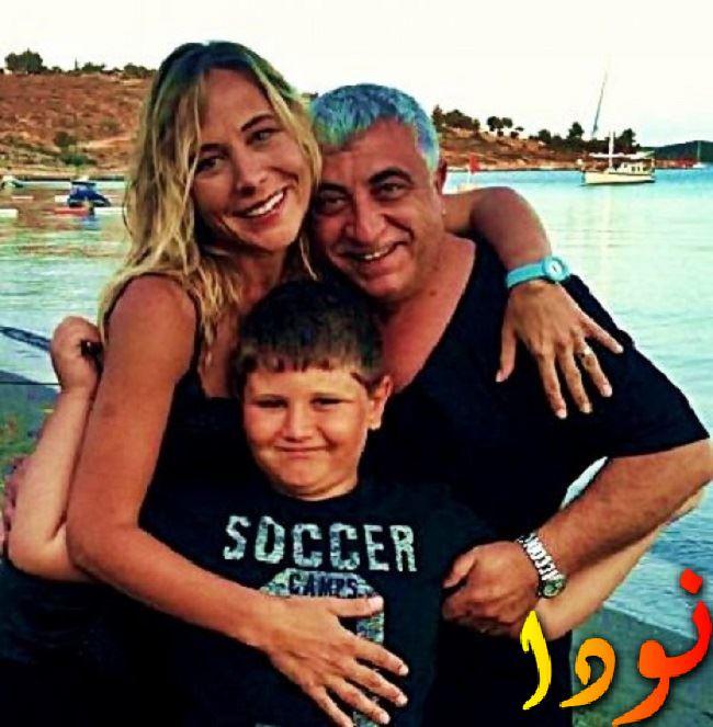 الفنانة أهو سنغور مع زوجها
