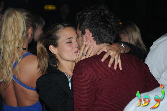 سرجان بادور يقبل حبيبته
