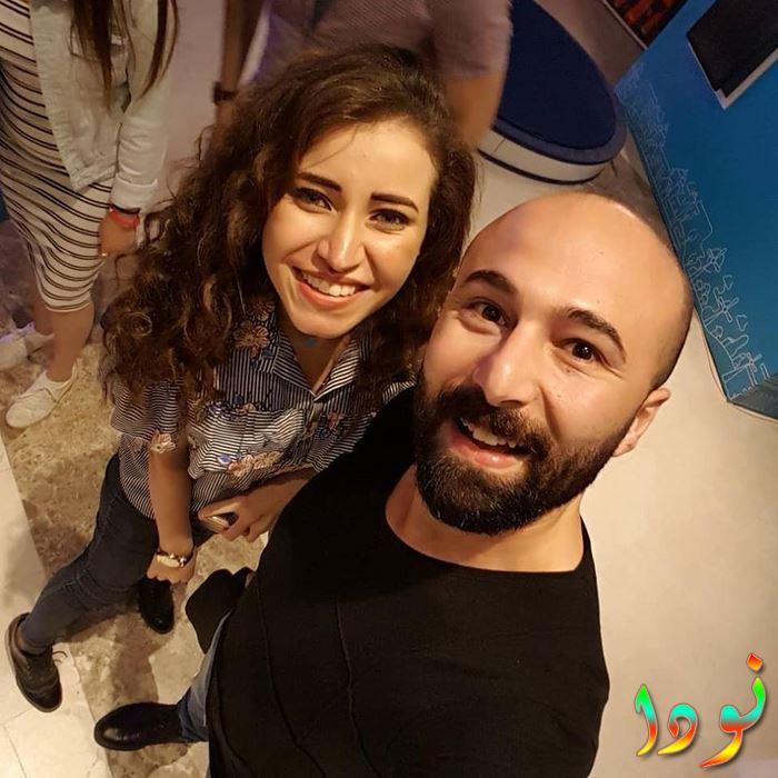 محمود متولى مع خطيبته