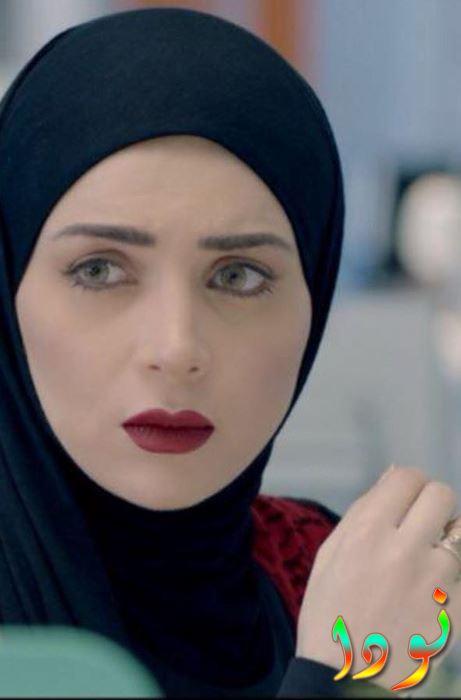 مي عز الدين بالحجاب في مسلسل رسايل