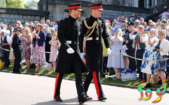 الأمير هاري و وليام يرتديان الزي الرسمي للبلوز والرويال