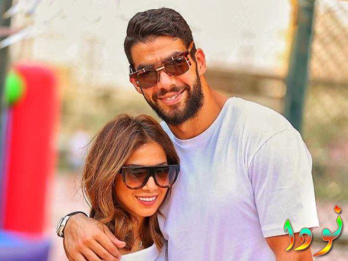 شريف إكرامي وزوجته