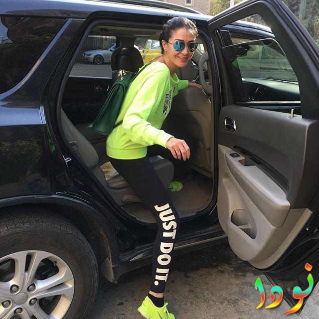غادة عبد الرازق في عربيتها