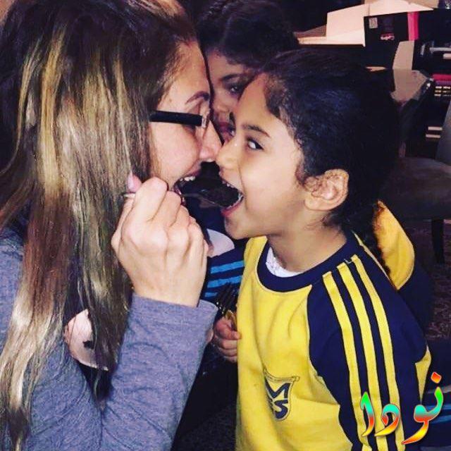 غادة عبد الرازق مع حفيدتها