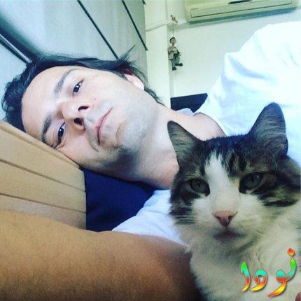 كنان مع قطته