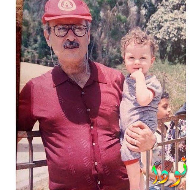 ميرنا نور الدين وهي صغيرة مع والدها