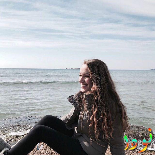 Eslem Akar ( إسلم عكار ) على البحر