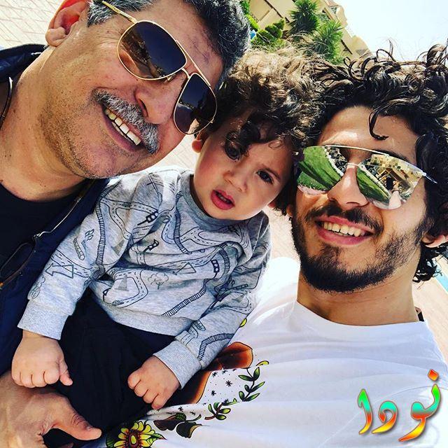 أحمد حجازي مع والده وأبنه