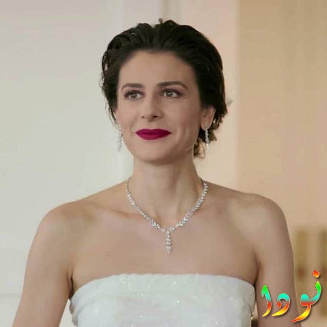 إبرو أوزكان في حفل زفافها