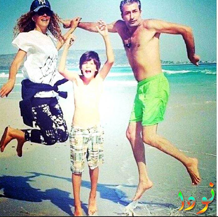 اركان بيتيكايا مع زوجته وابنته
