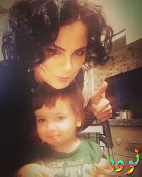 اصلي التايلار مع ابنها