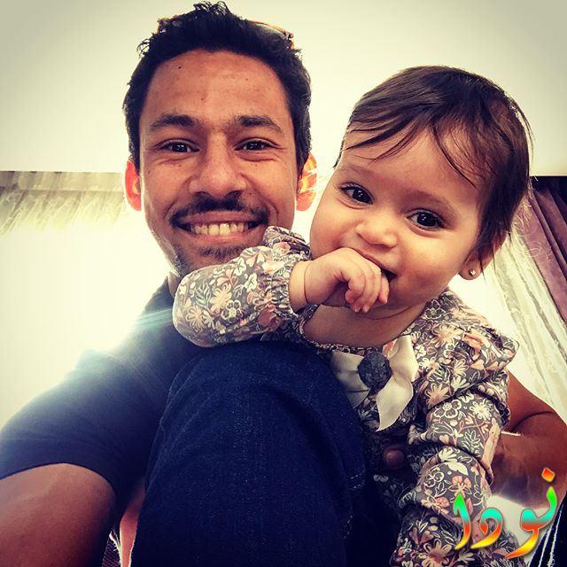 الفنان المصري علي قاسم مع ابنته