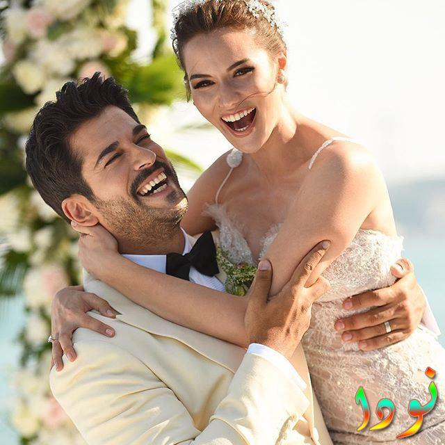 بوراك اوزجيفيت وزوجته في يوم زفافه