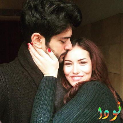 صورة جميلة لبوراك مع زوجته فخرية