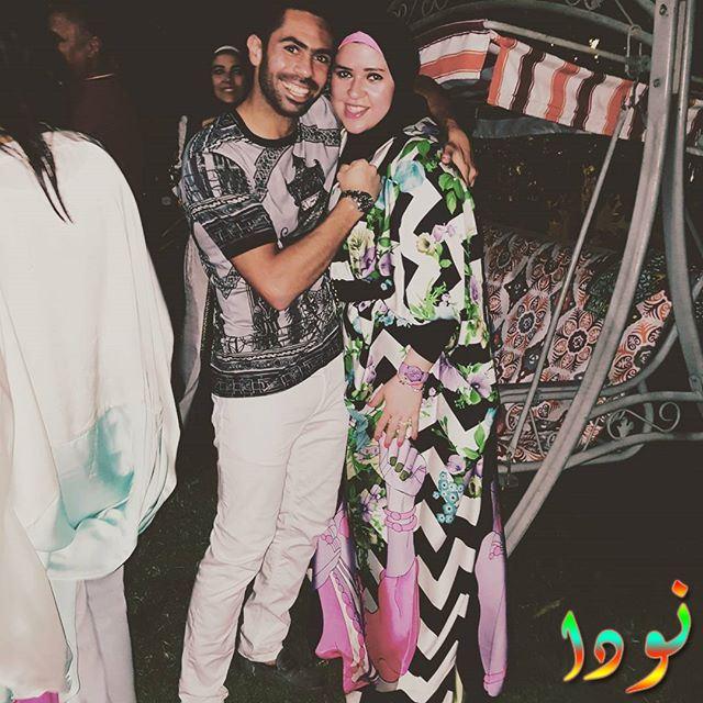 صورة لأحمد فتحي مع زوجته
