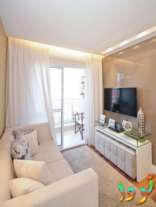 غرفة بسيطة وأنيقة باللون البني