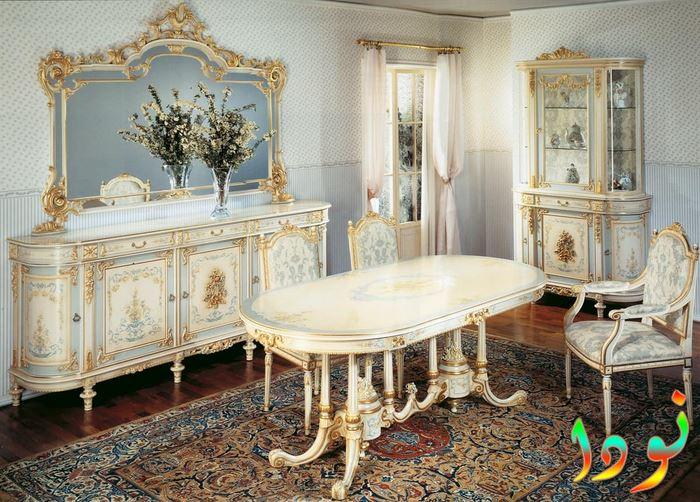 غرفة طعام بديكور ستيل أبيض في ذهبي