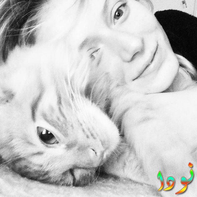 ياسمين زاولوسكي مع قطتها