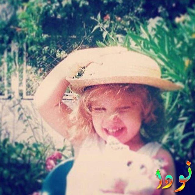 إيدا إيجي وهي طفلة