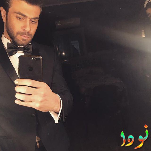 صورة لمهند حسني بالبدلة