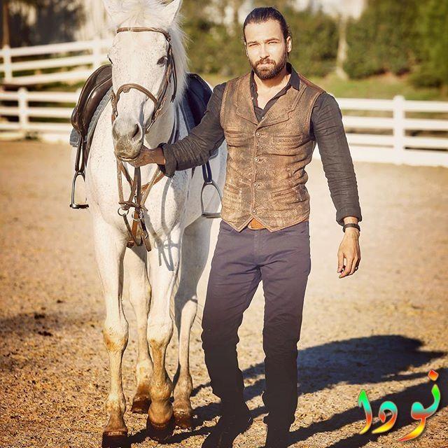 فولكان كيسكين مع حصان أبيض