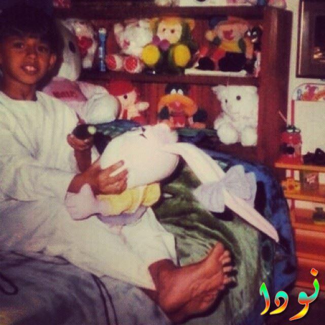 ابرار الحمد وهو صغير