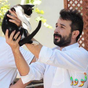 اسر ايوب اوغلو مع قطته