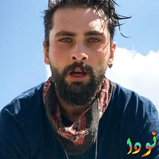 الفنان التركي أونور تونا