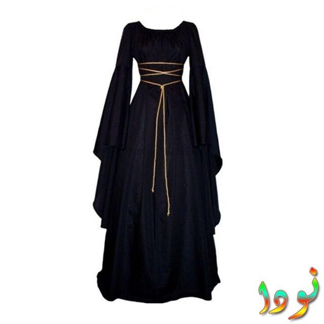 فستان طويل من العصور الوسطى