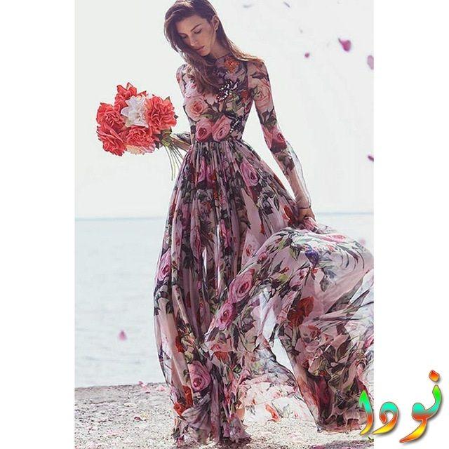 فستان مطرز أنيق من الشيفون روز ومطبوع عليه زهور