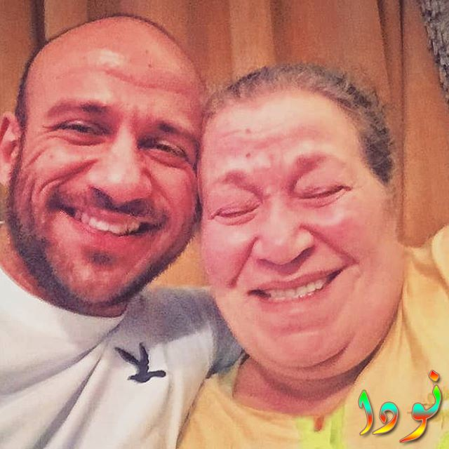 أحمد مكي واوالدته