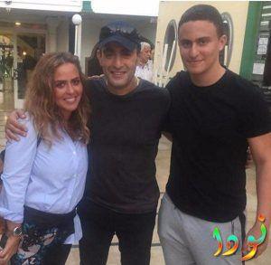 أحمد السقا مع زوجته وابنه