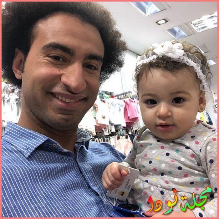 صورة له مع ابنته