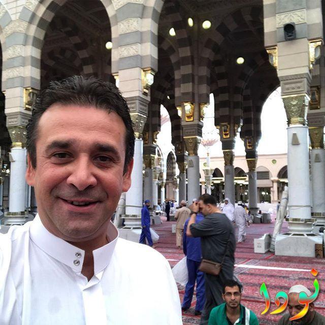 كريم عبد العزيز يقوم بأداء فريضة الحج