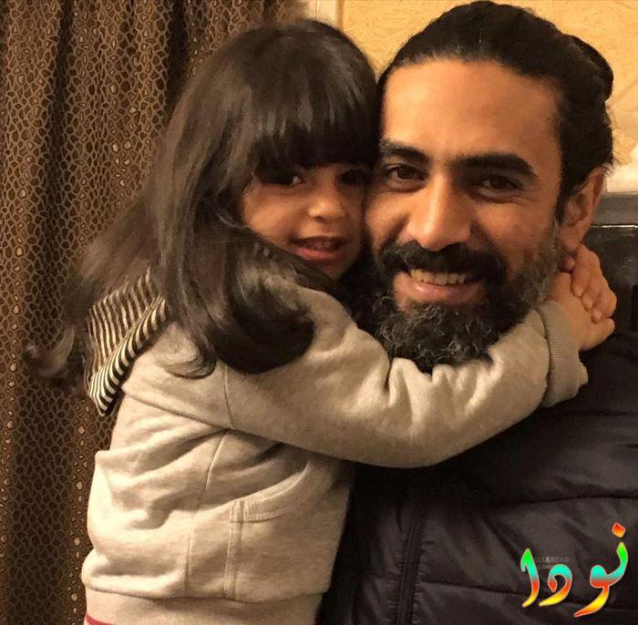 محمد علاء وابنته