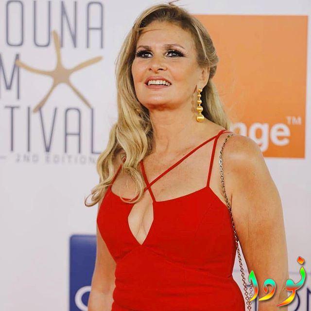 يسرا بالفستان الأحمر في مهرجان الجونة السينمائي