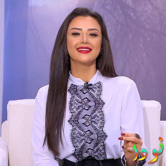 المذيعة Radwa Elsherbiny