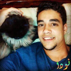 خالد أنور وقطته