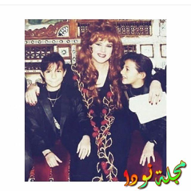 دنيا سمير غانم وإيمي مع الفنانة دلال عبد العزيز