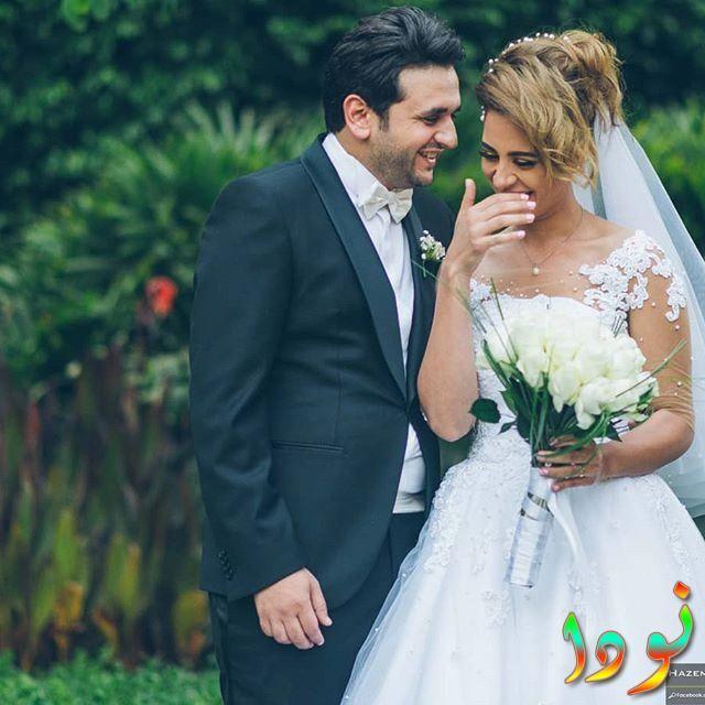 مصطفى خاطر وزوجته يوم الزفاف