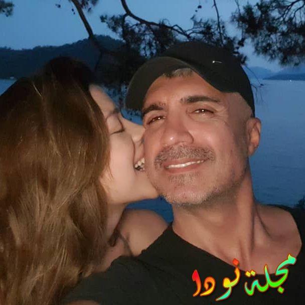أوزجان دينيز وزوجته