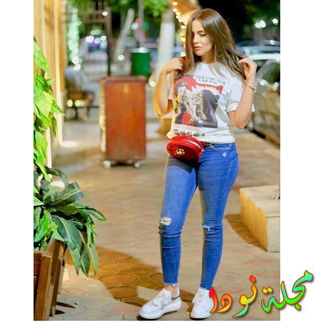 إسراء عبد الفتاح حامل تخفي بطنها الممتلئ