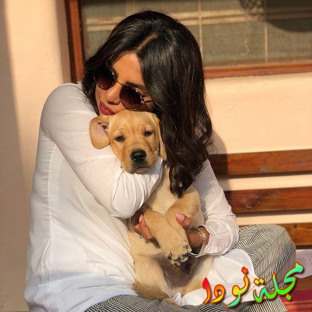 بريانكا شوبرا وكلبها