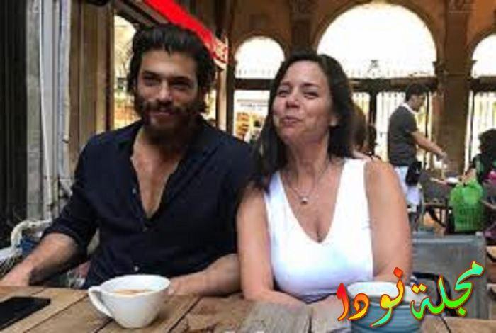 يمان مع والدته
