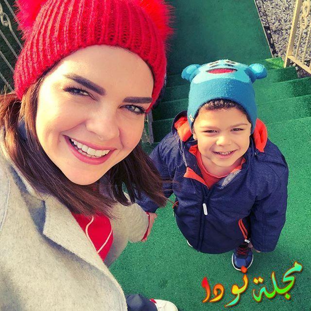 بلين كاراهان مع ابنها