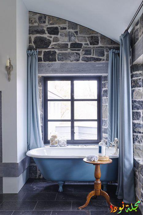 حمام كالقلعة الزرقاء