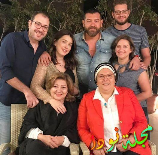 صورة عائلية لكندة علوش