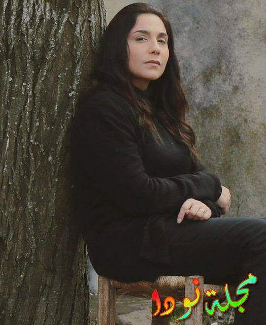 النجمة رنا شميس في دور ( ربا ناصر )